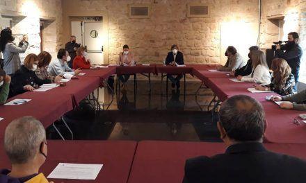 Turismo anima a los empresarios de Linares a solicitar las ayudas al sector para el mantenimiento de la actividad y el empleo