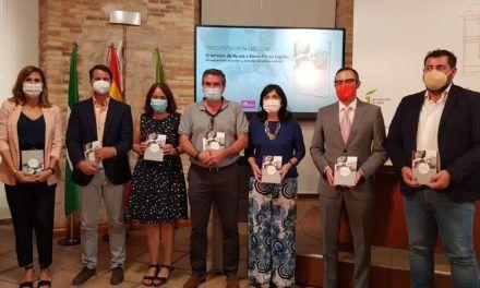 El Aula de Cultura de la Diputación acoge la presentación de un completo manual sobre el Servicio de Ayuda a Domicilio